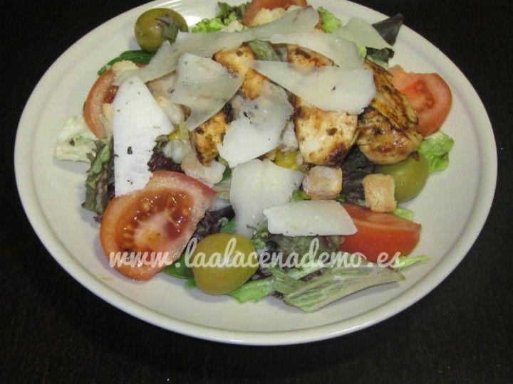 Ensalada de pollo marinado