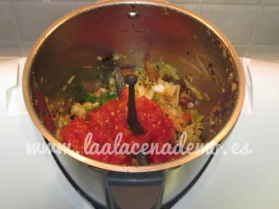 Paso 5: incorporar el tomate