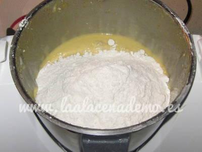 Paso 9: añadir el resto de harina