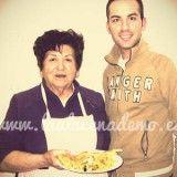 ¡Mi abuela Paquita y yo a punto de comer!