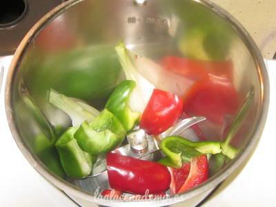 Paso 2: añade los ingredientes en el vaso