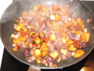Paso 4: incorpora los tacos de jamón