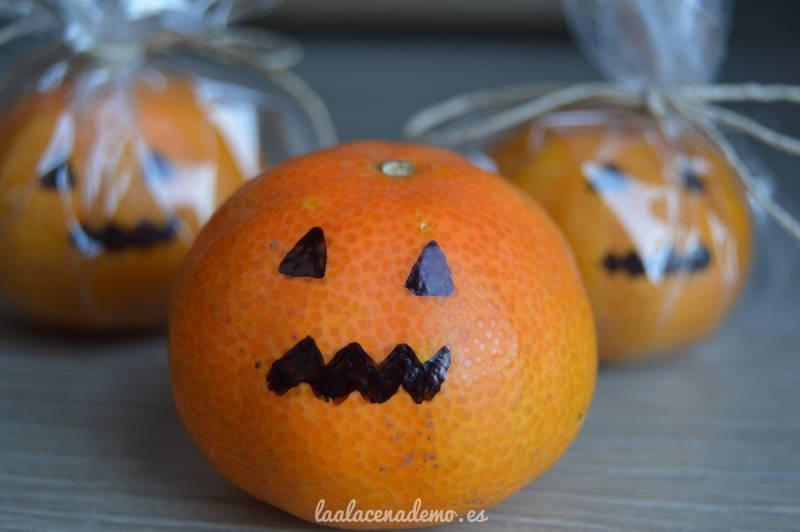 Calabazas de Halloween con mandarinas