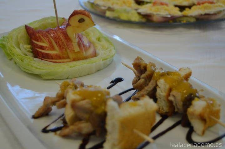 Brochetas de pollo caramelizadas al melocotón