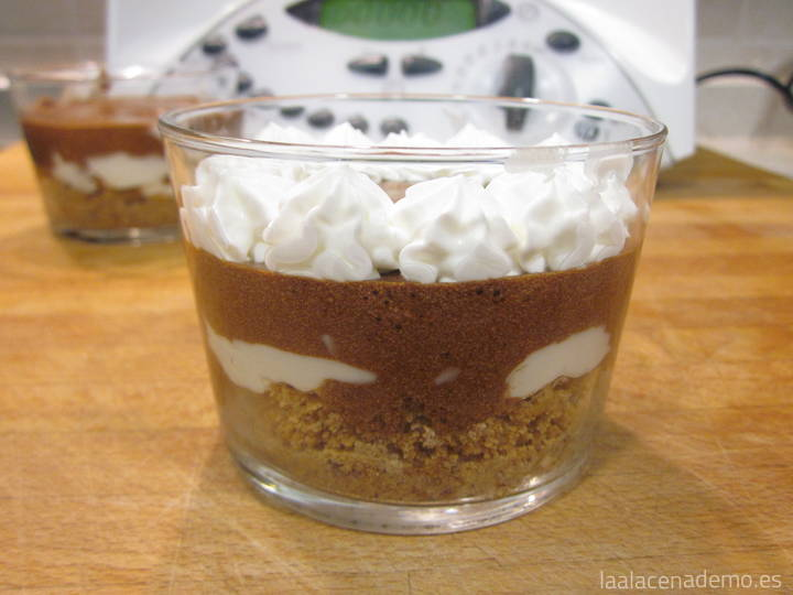 Vasitos postre queso y chocolate con Thermomix