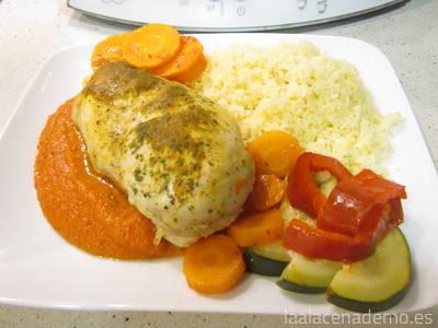 Pollo marinado con verduras, curry y cuscús en varoma