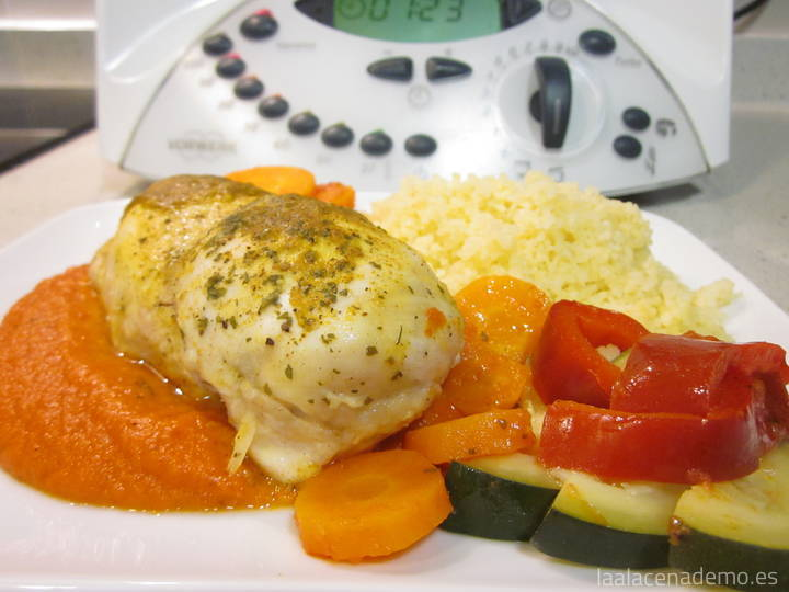 Pollo marinado con verduras y cuscús en Thermomix