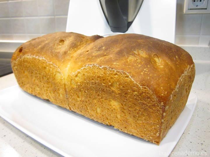Pan que empapa bien para torrijas hecho con Thermomix