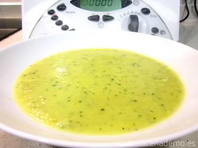 Puré de verduras Thermomix: tritura más o menos tiempo dependiendo de la textura deseada