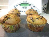 Muffins de naranja y pepitas de chocolate con Thermomix